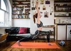 Jetzt in Berlin: Yogaia rollt online die Yogamatte aus